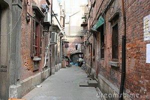 old-alleyway-13340580